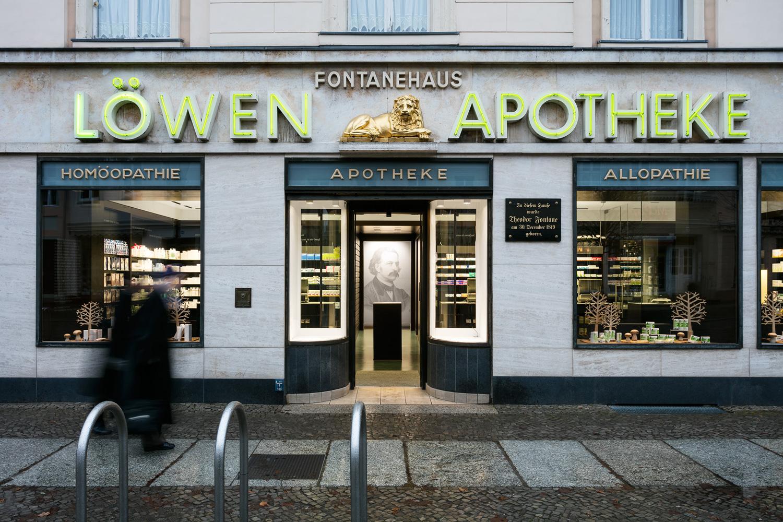 LOWEN-APOTHEKE-01