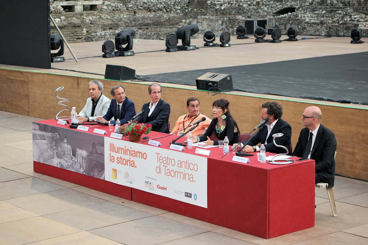 iGuzzini lights up history at the ancient theatre of Taormina