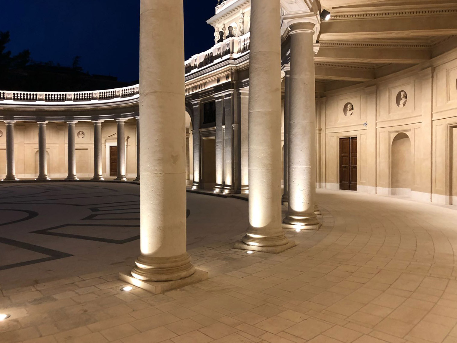 Il Palazzo dell'Emiciclo riconsegnato alla città de L'Aquila